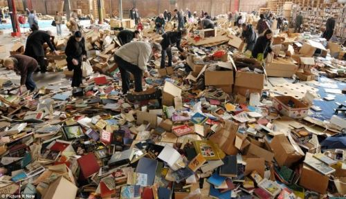 libros-abandonados-por-amazon-en-bristol-sirvase-quien-pueda