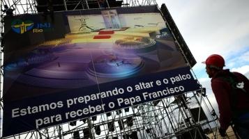Em-Copacabana-papa-acompanhara-a-via-sacra-do-palco-central-size-598